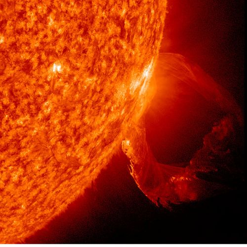 Sun-eruption-solar-prominence-march19